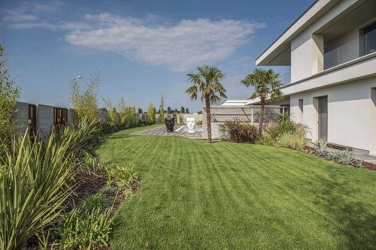 giardiniere Modena: progettazione e realizzazione di giardini, piscine, laghetti,aiuole e costruzione esterne in muratura.Servizi di potatura e giardinaggio