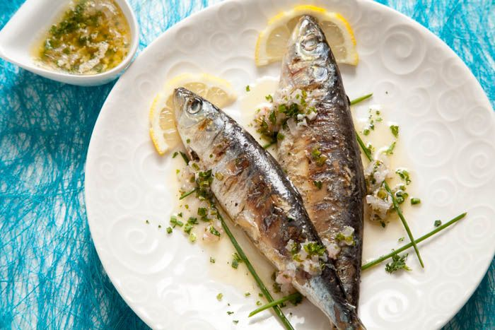 Grilled Sardines with Lemon Sauce