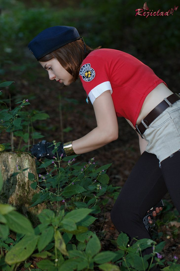 Searching for Green Herbs by Rejiclad Jill Valentine Resident Evil / Biohazard cosplay