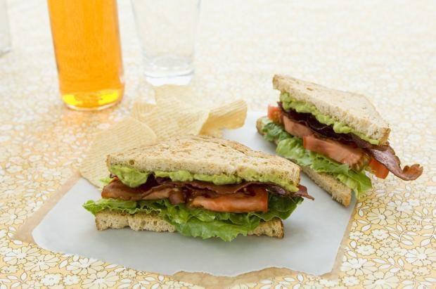 blt avokado sandwich