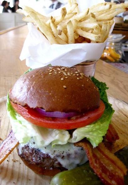 Le meilleur Burger du monde !  The Standard Grill à NY un véritable délice accompagné d'une Brooklyn Lager beer ;)