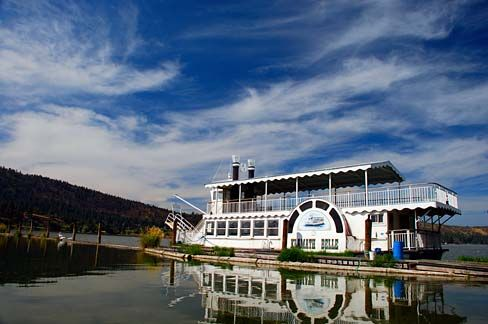 The Klamath Belle paddle wheeler at Pelican Marina and Upper Klamath Lake in Klamath Falls. (Photo No. klaDA0087a)