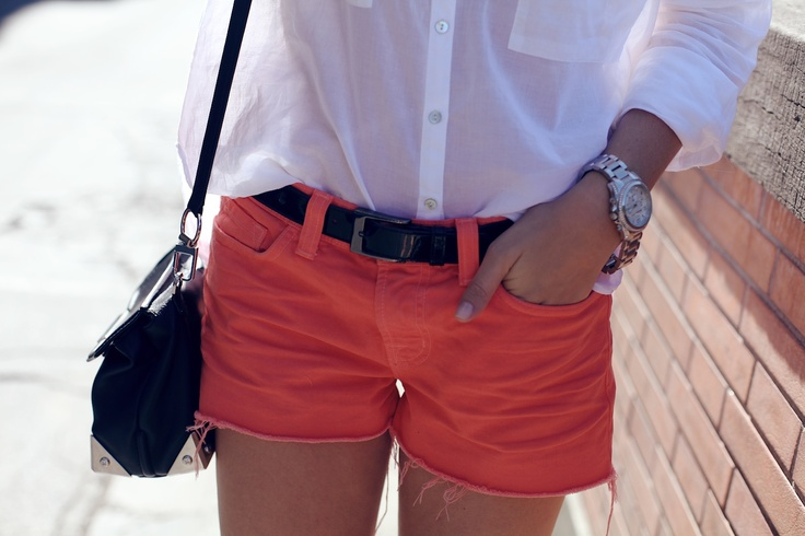 coral shorts, white shirt, black belt and bag, a bit of turquoise jewelry, my 4th of july outfit!!!!!!