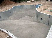 How Do They Build a Swimming Pool, Building an Inground Swimming Pool, Gunite Swimming Pool Construction, Gunnite Pool, How-To Build a Swimming Pool - Poolandspa.com