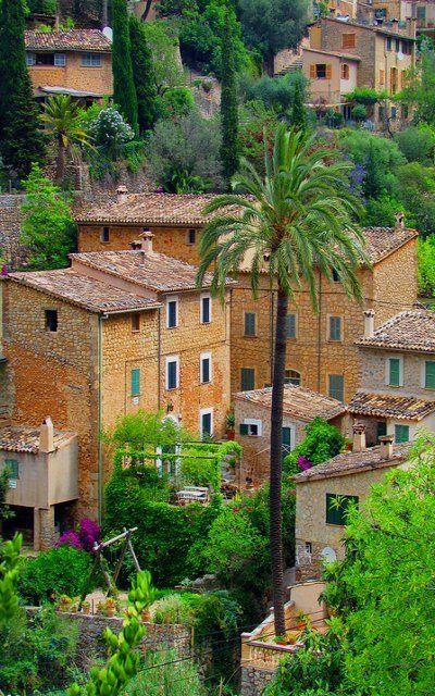 The charming village of Deià in Mallorca Island, Spain (by twiga_swala)