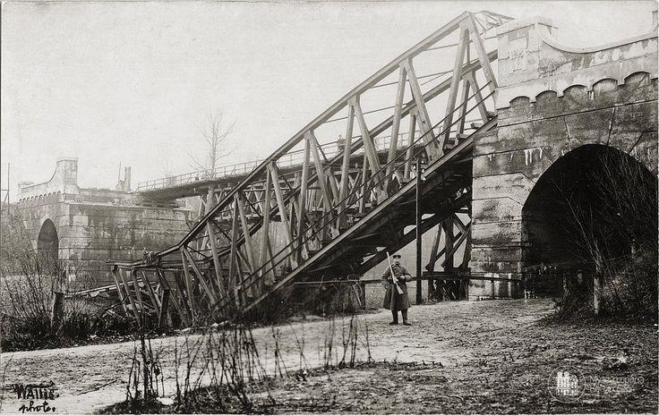 Exploded railway bridge near Insterburga. Photo OK. the year 1914. (Translated by Bing) — in Insterburg, Kaliningrad.