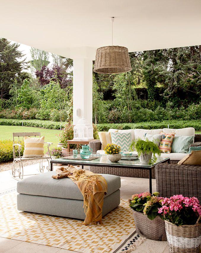 Un sal n al aire libre sill n muebles terraza cojines - Cojines muebles exterior ...