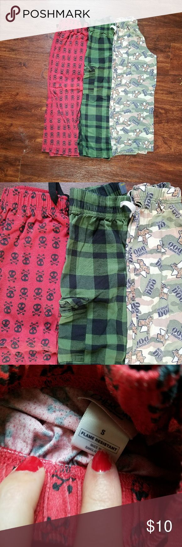 Boys 6-7 small lounge pajama pants skulls plaid 3 pair of boys pajama pants. Size small or 6-7. The skull ones have wash wear and pilling. Scooby ones have light wash wear and the plaid old navy ones are euc. Plenty of wear left in all. My son outgrew them. Please ask any questions before purchasing  Discounts on bundles  Feel free to make a reasonable offer Old Navy Pajamas Pajama Bottoms