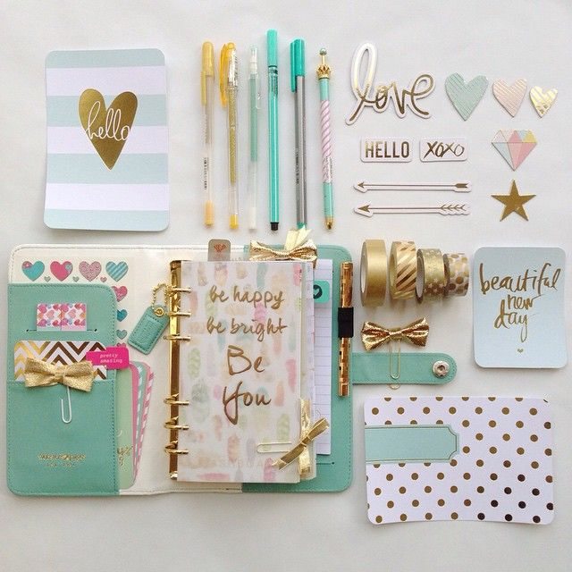 Planning your weeks out doesn't have to be boring! Spice up your agenda with gold washi tape, stickers, and your favorite gel pens!