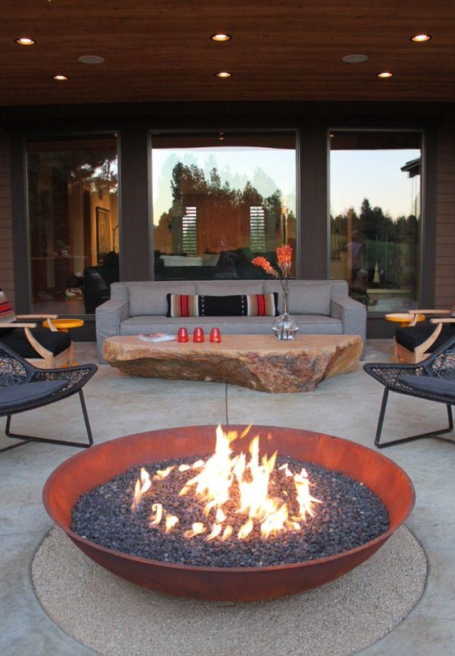Terrace coins de paradis pinterest outdoor fire pit for Bowl shaped fire pit