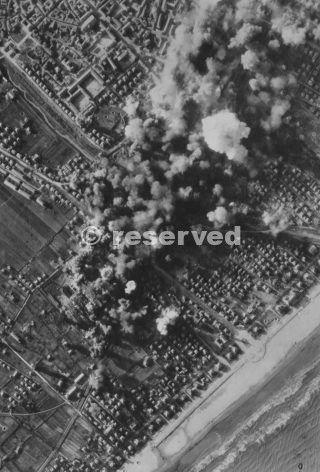 rimini bombing zoom 30 dic 1943_rimini foto di guerra