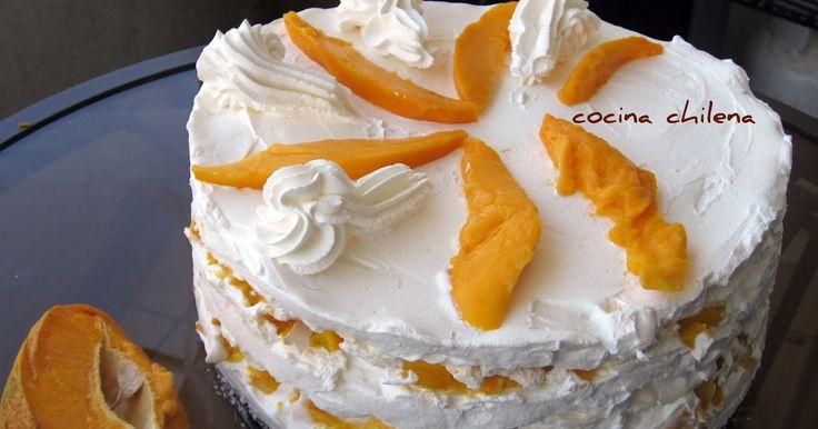 Esta torta es de merengue Es un merengue duro en el exterior y crema por dentro Es la típica torta de merengue que se consume en el s...