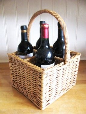 Made from woven Willow and double steamed to achieve a rich dark colour. This bottle carrier is perfect for parties and picnics, also a great gift basket for holding a selection of wines or champagnes.