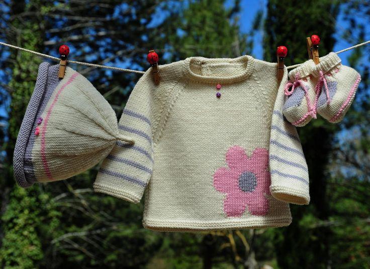 layette ensemble mérinos naissance-1 mois neuf tricoté main brassière bonnet et chaussons : Mode Bébé par com3pom