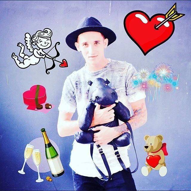 Happy Valentin's Day! 💕🌸 #blorange #кожаныйрюкзак #loveher #lovehim #couplegoals #leather #leatherbag #крутойрюкзак #bag #backpack #instafashion #instagay #hippopotamus #limitededition #handmade #realleather #bestseller #inselly