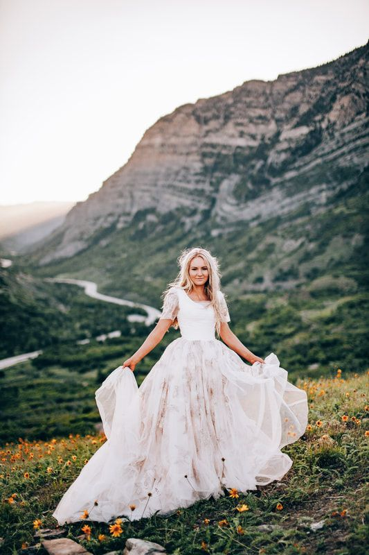 4bf796af981 You don t need a bouquet when you ve got this stunning dress. HOLY MOLY  does this thing ha…
