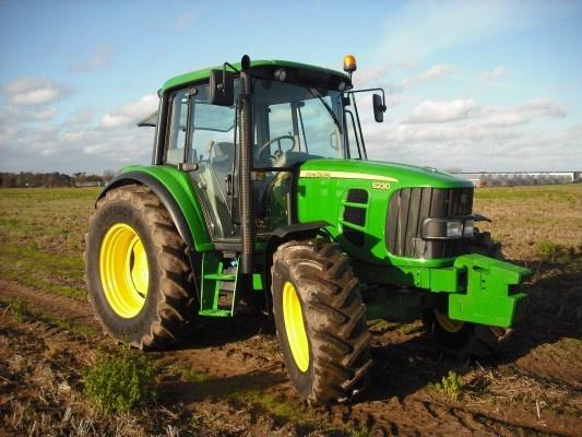 A John Deere tractor for 24 000€? It is possible on http://www.agriaffaires.de/gebrauchte/traktor/1/4039/john-deere.html
