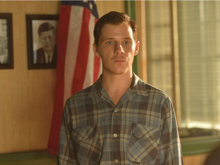 How '11.22.63' Stays Accurate To 1960s America, According To Star Daniel Webber
