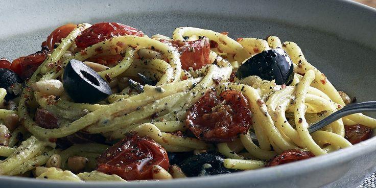 Spaghettis aux olives noires, tomates cerises et moutarde au Chablis et aux Brisures de Truffe noire