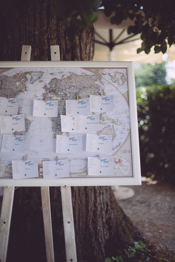 travel themed seating chart // photo: Infraordinario