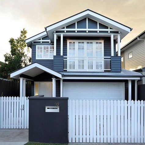 """188 Likes, 11 Comments - Tamlyn (@dalyhouselifestyle) on Instagram: """"Top marks for the bold colour choice on this lovely Hamptons style weatherboard house, repost…"""""""