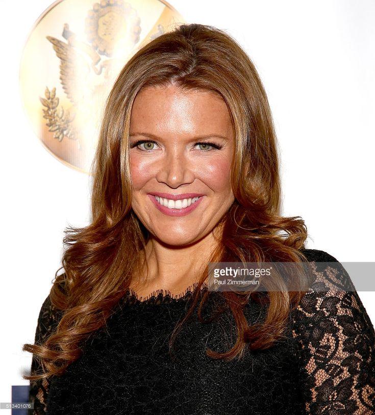 Best 25+ Trish regan ideas on Pinterest   Fox news anchors, Fox news tv and Blonde hair news anchor