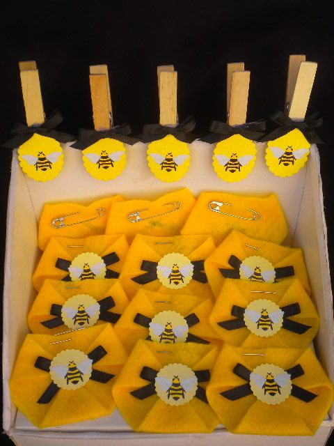 2 Games Combo Dirty Diaper Game And Dont Cross The Legs Baby Shower Bumble Bee Cute AS Can