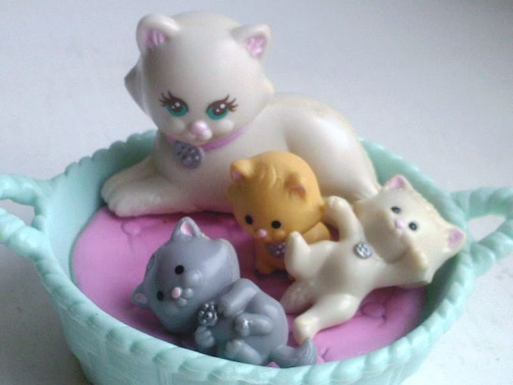 Littlest Pet Shop vintage 90s toy for girls-- I had tees too just didn't know what they were called!