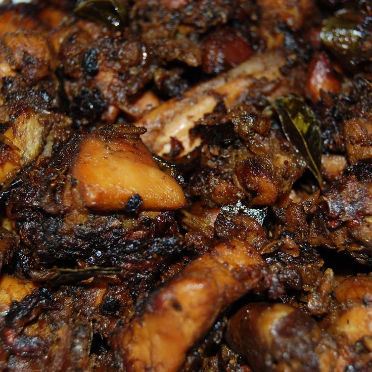 Kerala Style Pepper Chicken (Nadan Kurumulaku Kozhi