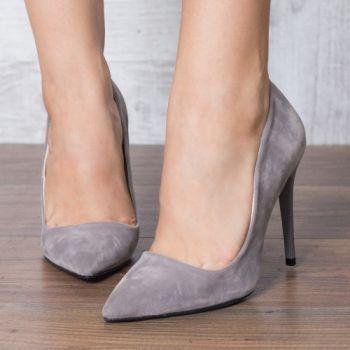 Pantofi stiletto gri. Exteriorul este realizat din piele ecologica. Dimensiunea tocului este de 11 cm