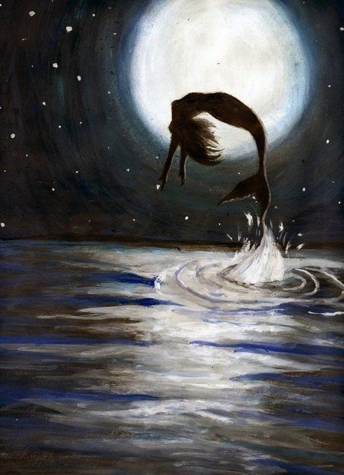 <3 two of my favorites the Full Moon and a Mermaid... <3