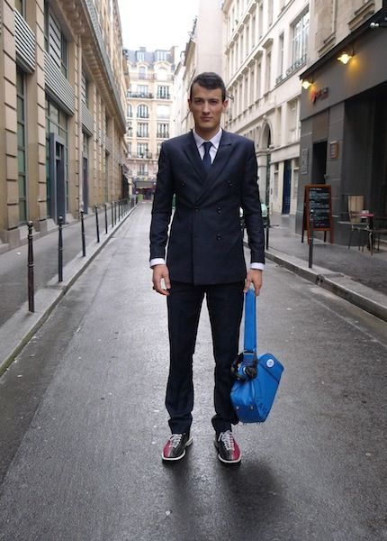 #dandy 37 | William porte des chaussures de bowling. sodandy.com