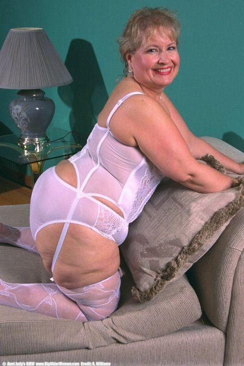 Fat In Lingerie 88