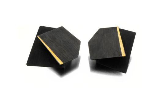 Yoko Shimizu – 'Arno by Night' Series. Earrings: Oxidized silver, gold.
