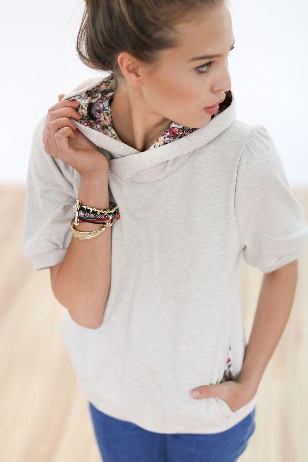 Hoodie mal anders: Kurzärmeliger Hoodie in Beige mit Blumenstoff / cute beige hoodie with flower print fabric by Shoko Shop via DaWanda.com