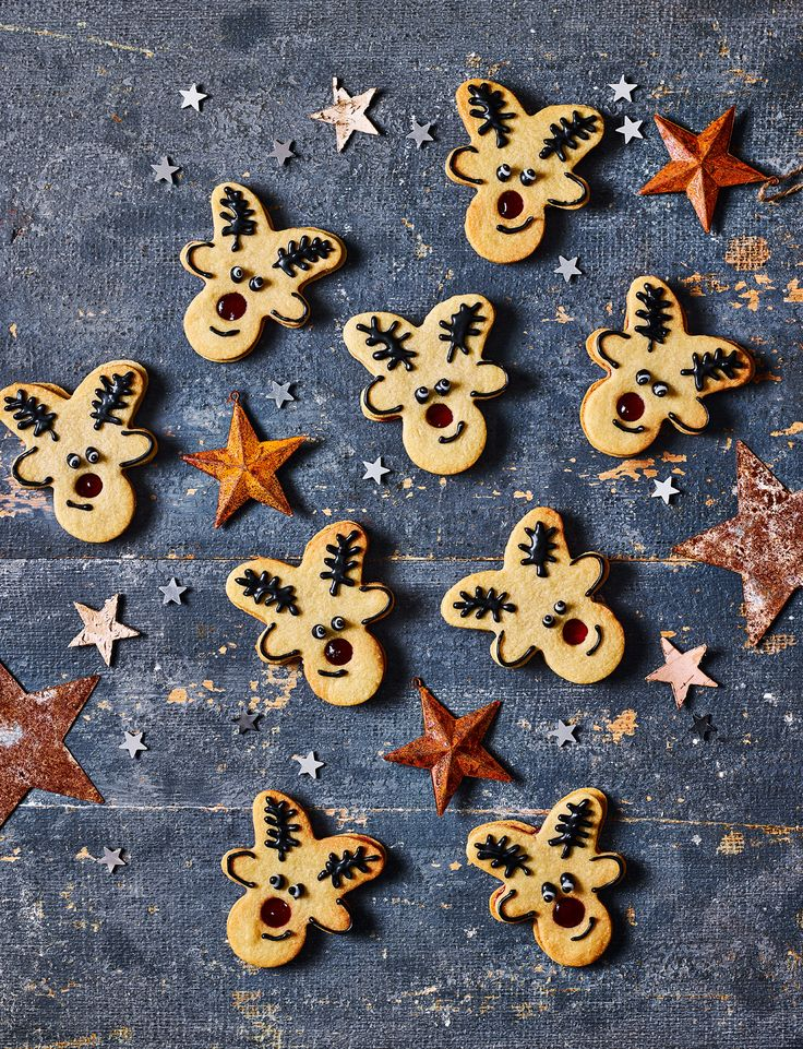 This reindeer jammy dodgers recipe has baked its way into our hearts. Make these adorable biscuits your next family-friendly Christmas baking project