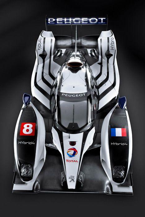 Peugeot 908 Le Mans Hybrid.