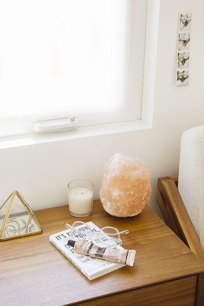 Salt Lamps In The Bedroom : 17 Best ideas about Himalayan Salt Lamp on Pinterest Salt rock lamp, Himalayan salt benefits ...