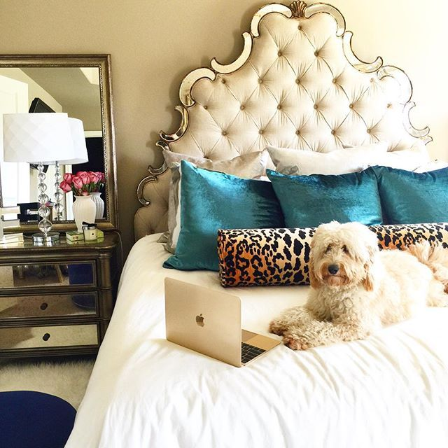 Headboard from The Sweetest Thing blog <3 ahhhhh