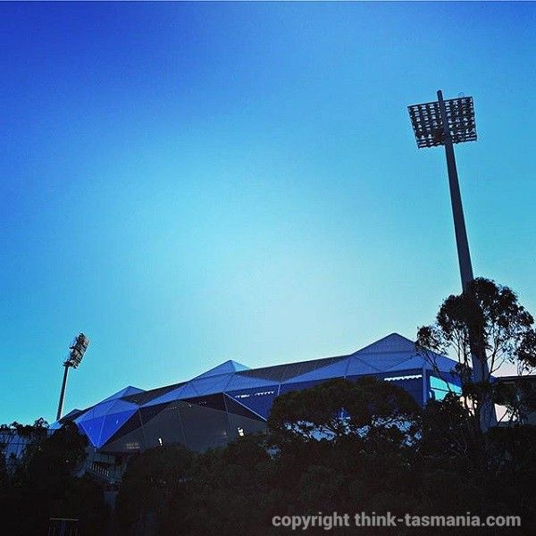 Blundstone Arena #BelleriveTasmania #Hobart #Tasmania #Cricket #AFL article and photo for think-tasmania.com