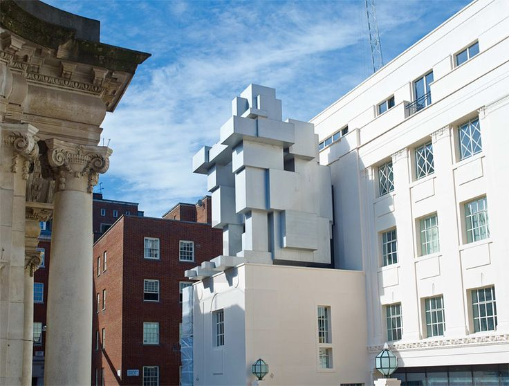 antony gormley stacks inhabitable sculpture suite at beaumont hotel in london - designboom   architecture