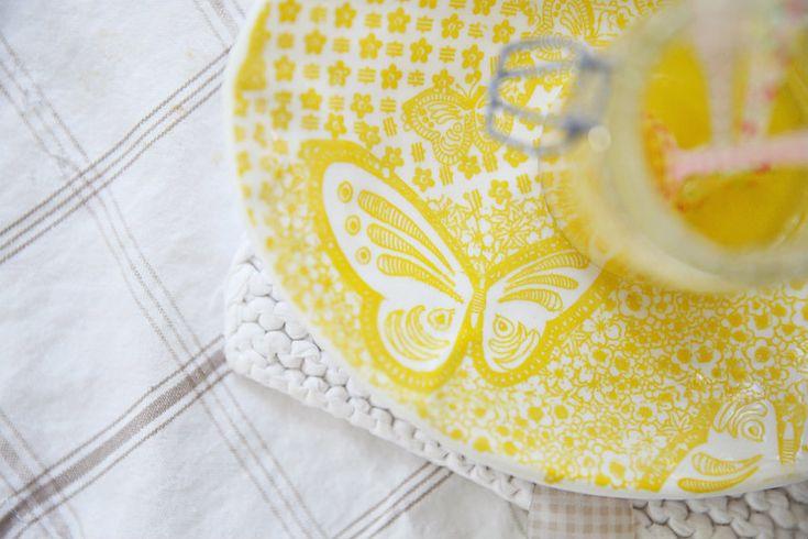 Beach Cottage Beauty, honey, lemon & sugar DIY face scrub recipe - Beach Decor Blog, Coastal Blog, Coastal Decorating