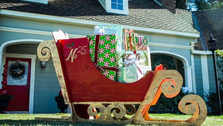 DIY Santa Sleigh Short Of The Real Thing, I Want This For The Front Yard.