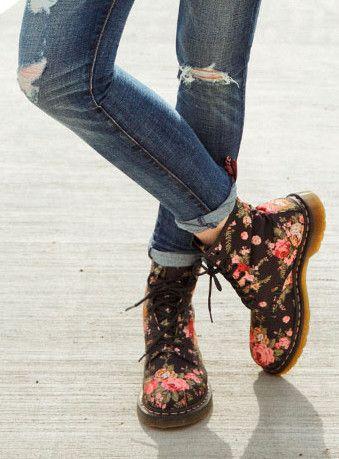 Dr. Martins Floral Boot