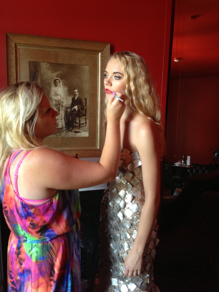 Make up touch up, photo-shoot