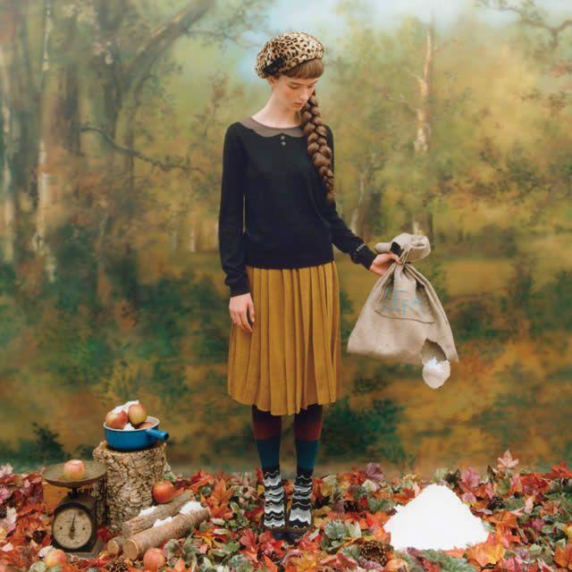 リバーシブルなモウジュウ柄の リボンブローチ付きふわふわベレー帽の会 衿がトロンプ・ルイユな素敵ニットトップスの会 パリジェンヌがお手本 ニットで編んだランダムプリーツスカートの会