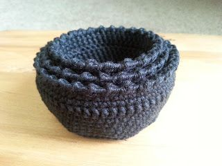 Zillie's NZ: Gallery of Items I have Made Black Crochet Cotton Pots