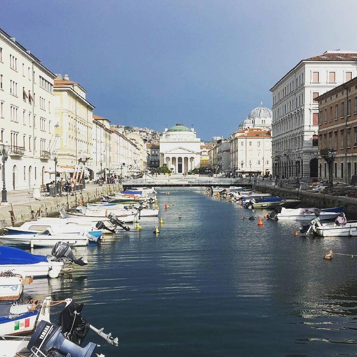 Saludos desde #trieste... un par de días de vacaciones!  Camino a la playa de Croacia