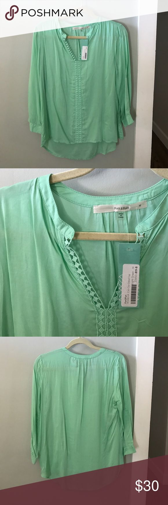 🆕 Mint Blouse Perfect for spring! New with tags. Bought from Stitch Fix. Perfect condition! fun2fun Tops Blouses
