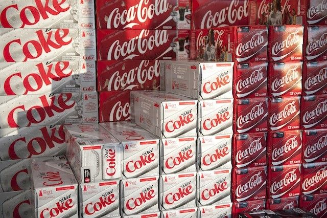 A recent study by The Center for Science in the Public Interest (CSPI) reveals that popular sodas like Coke, Diet Coke, Pepsi, and Diet Pepsi contain potentially dangerous amounts of carcinogenic caramel coloring.The U.S. National Toxicology Program (NTP) has determined that  this has caused liver, lung, and thyroid tumors in rats and mice. Should you be worried? The CSPI thinks so.